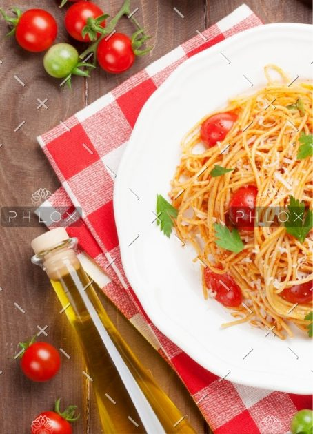 demo-attachment-232-spaghetti-pasta-with-tomatoes-and-parsley-PD3JBZP